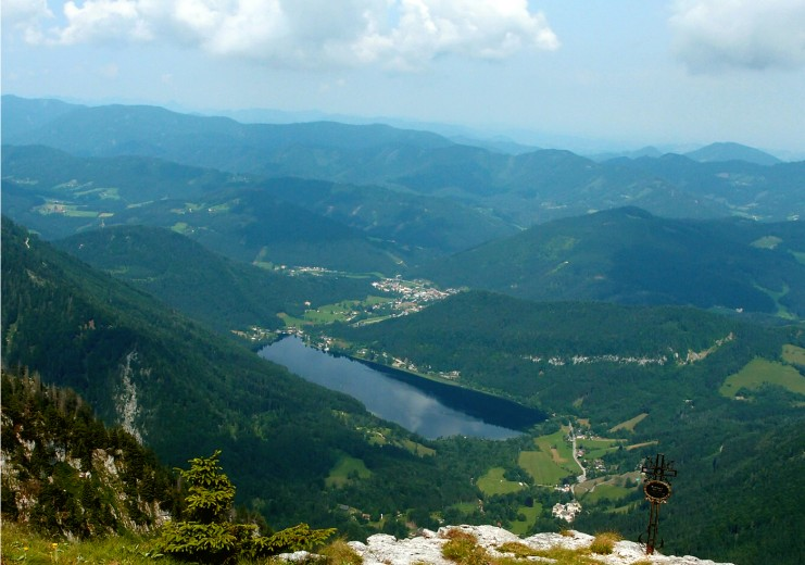 View from Scheiblingstein peak on Lunz am See and Seehof