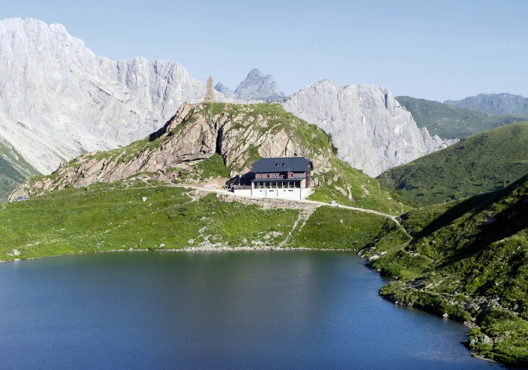 Wolayersee and Wolayersee hut